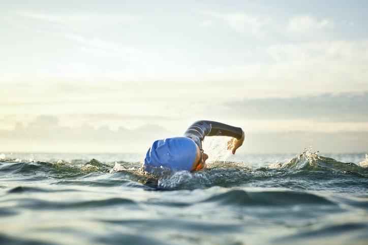 Allenamento nuoto in mare: 5 consigli per farlo al meglio